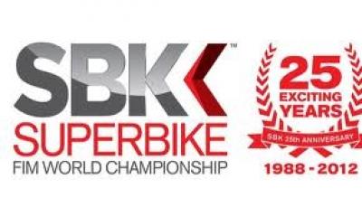 Mondiale Super Bike il team FMX INTERNATIONAL con Andrea Cavina ospiti per l'intero w.e.